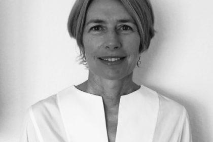 Mme Nathalie ROBERT